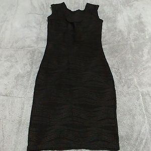 Dresses & Skirts - LBD stretchy sleeveless pencil dress